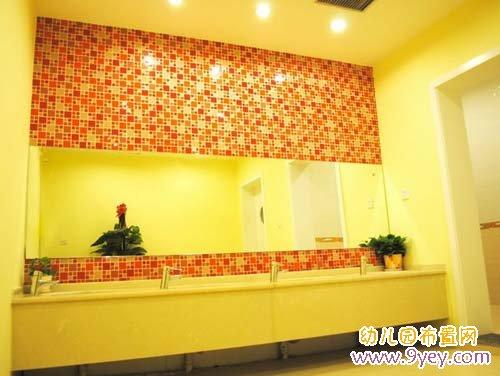 贵族幼儿园洗手间环境布置:洗手台