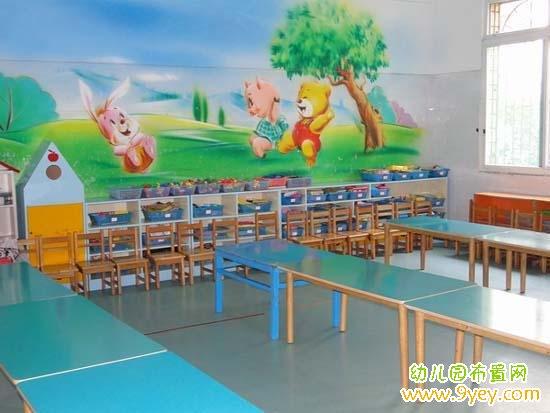 新学期开学幼儿园小班教室墙面装饰:小兔与小猪