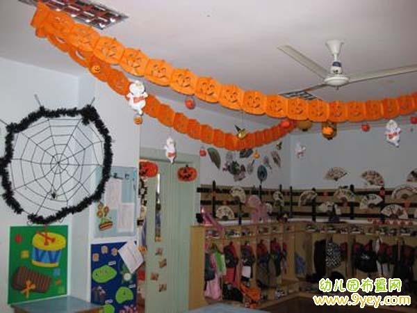 幼儿园万圣节教室吊饰布置 万圣节拉花图片