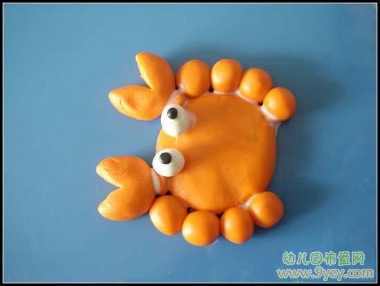 幼儿园橡皮泥作品图片:栩栩如生的螃蟹