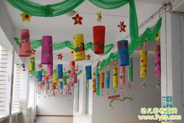 幼儿园走廊楼梯口吊饰装饰图片