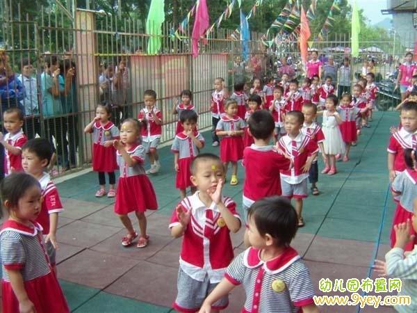 幼儿园夏季校服设计图片
