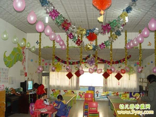 幼儿园庆元旦黑板报_幼儿园元旦新年班级装饰图片_幼儿园布置网