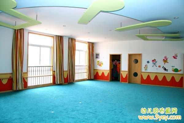 幼儿园中班门窗装饰:古典风格的大门_幼儿园布置网