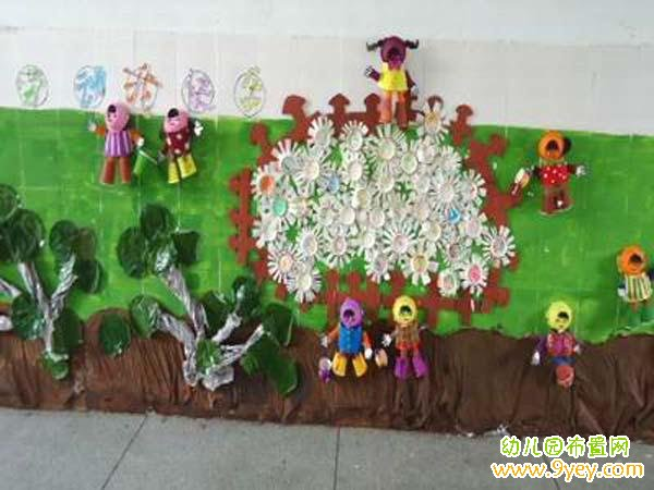 幼儿园楼道墙面五一劳动节手工装饰图片:我劳动我
